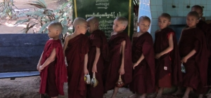 Following Buddha's Footsteps (Burma 5)